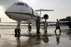 business-aircraft-620453_1280
