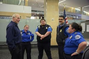 Secretary_Kelly_Meets_with_San_Diego_TSA_Employees_(32058951494)
