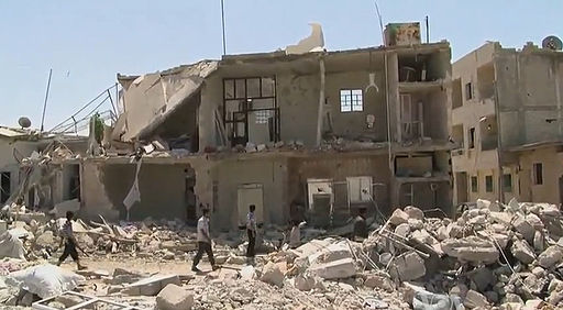 512px-Azaz_Syria_during_the_Syrian_Civil_War_Missing_front_of_House
